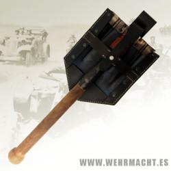 German M38 Shovel + Carrier