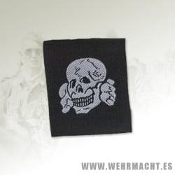 Calavera de gorra Waffen SS, Tropa