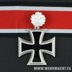 Cruz de Caballero de la Cruz de Hierro con hojas de roble (3 piezas)