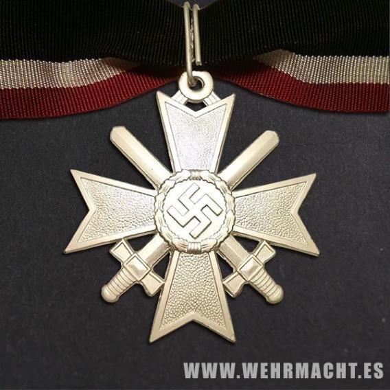 Cruz de caballero al merito militar con espadas