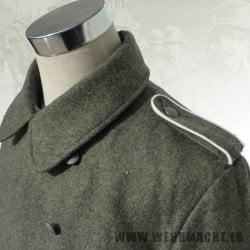 Abrigo M40 para tropa y suboficiales